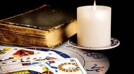 פיתוח הדמיון בעזרת הקלפים מרחיב ומעשיר את העולם החוויתי של כל אדם.
