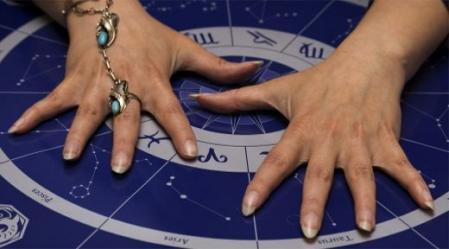 בעזרת מפה אסטרולוגית או ייעוץ עם אסטרולוג נוכל למצוא את הדרך למיצוי הפוטנציאל שגלום בנו.