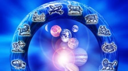 לחזות את העתיד בעזרת אסטרולוגיה