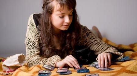 פרישת קלפי טארוט השבועית פופולרית מאוד, זאת משום שהיא קלה יחסית.
