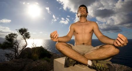 ניתן לתרגל מדיטציה בקבוצות או ביחידים וזמן התרגול יכול לנוע בין דקה אחת לבין שעות ספורות.